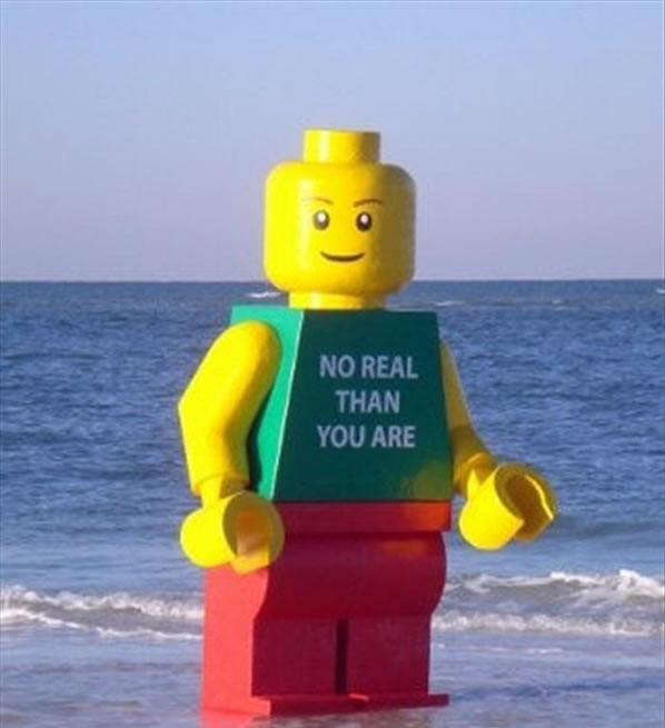 Ego Leonard Lego gigante