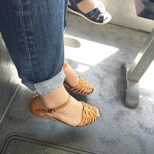 Mujeres bajita Pies